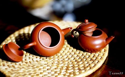Sun tanning Yixing Pots